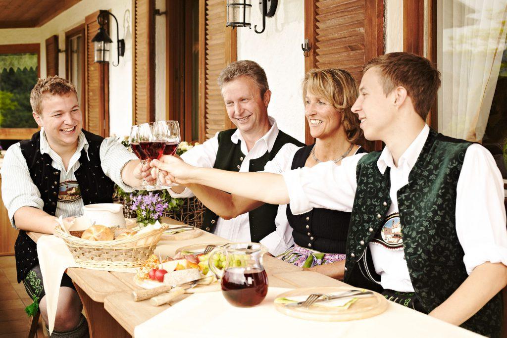 Familie Daller vom Gästehaus Sonnenbichl - Urlaub Fischbachau