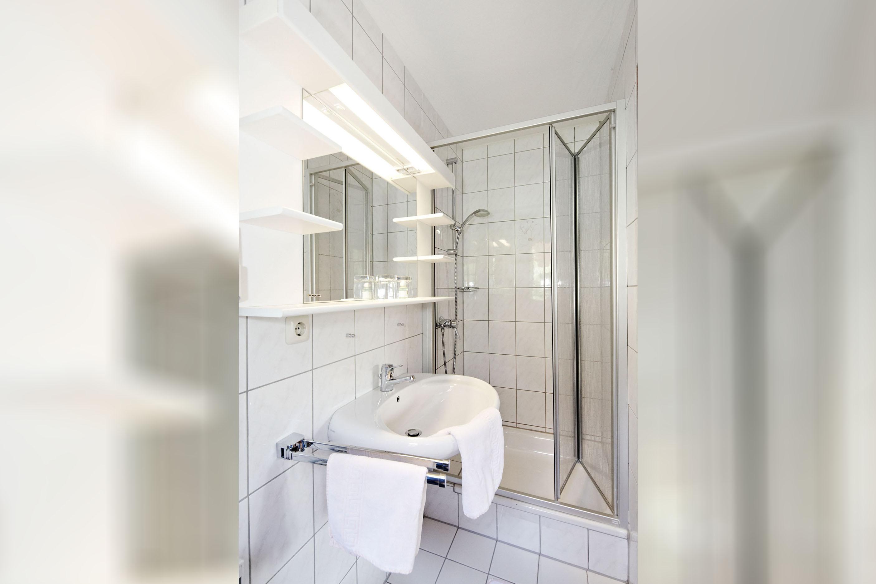 Goldregen Zimmer Bad