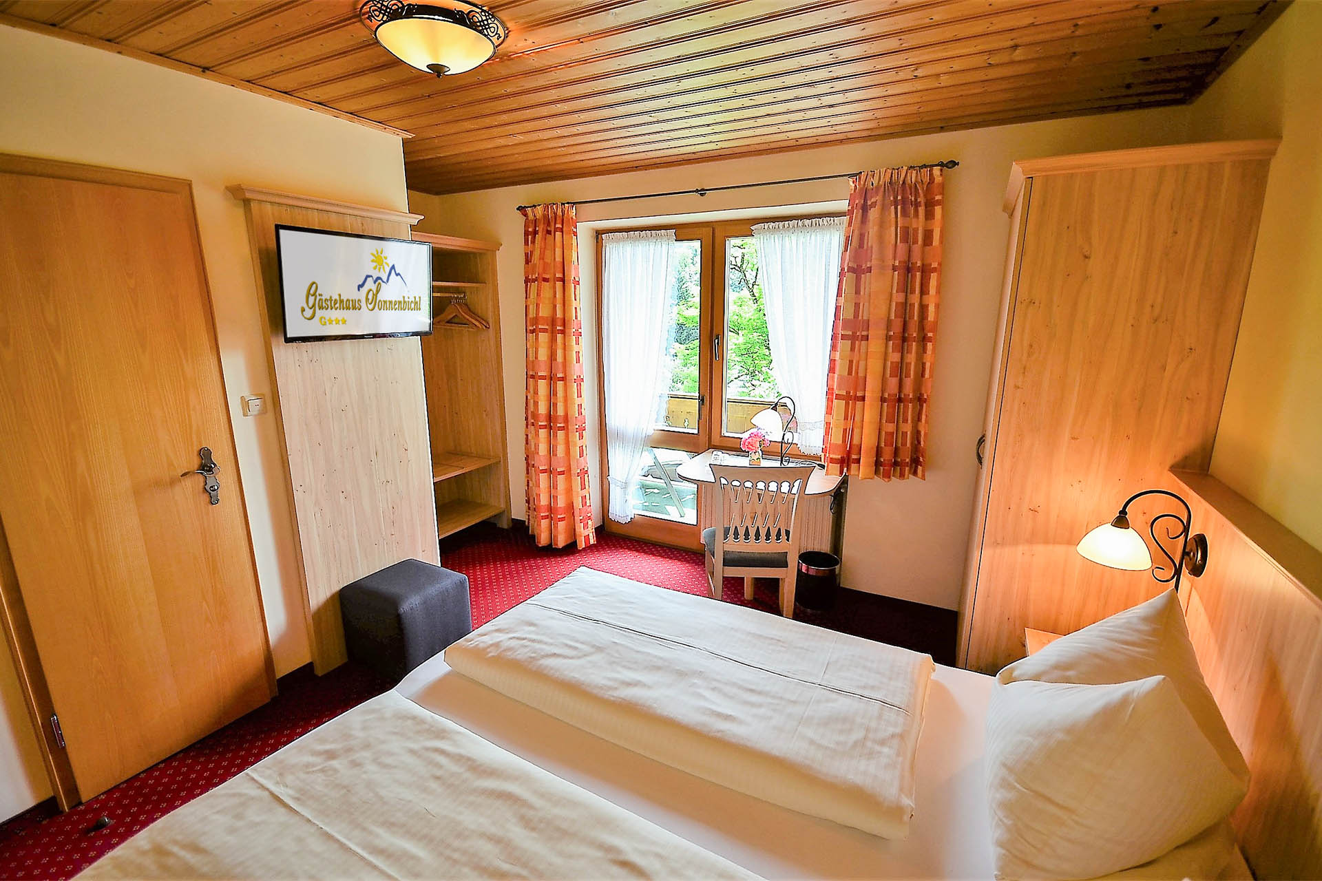Zimmer-1-Alpenveilchen-013